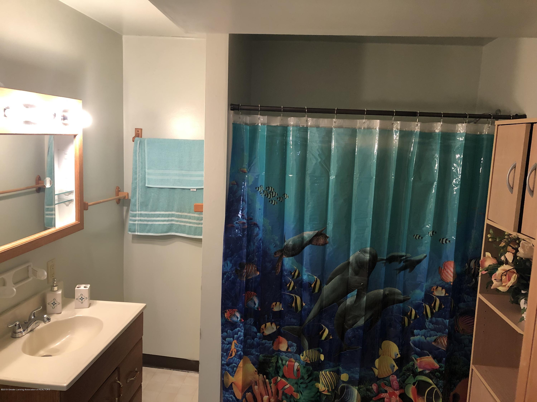 5712 Piper Ave - Full bath - 24