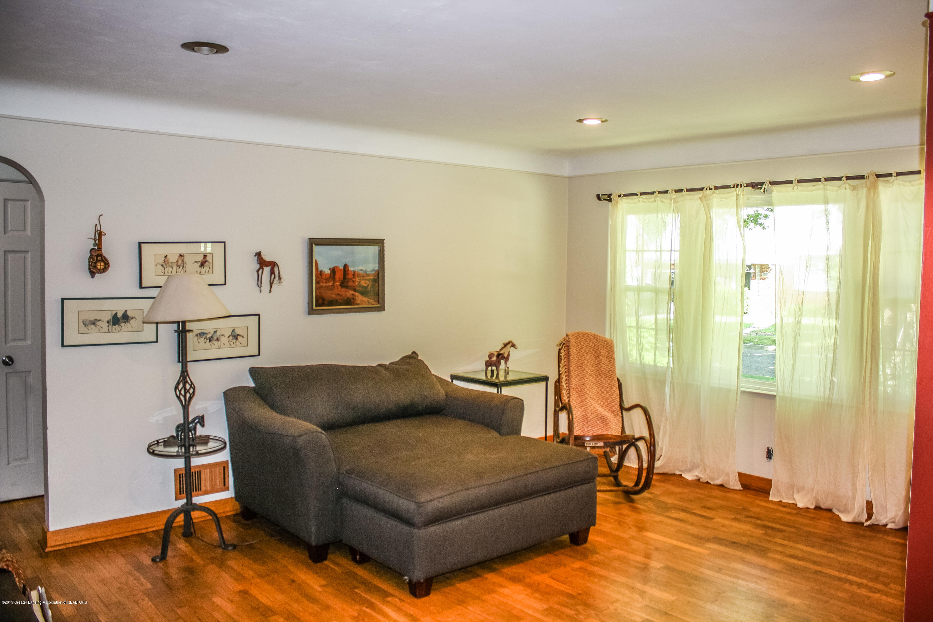 515 Durand St - Living Room - 7