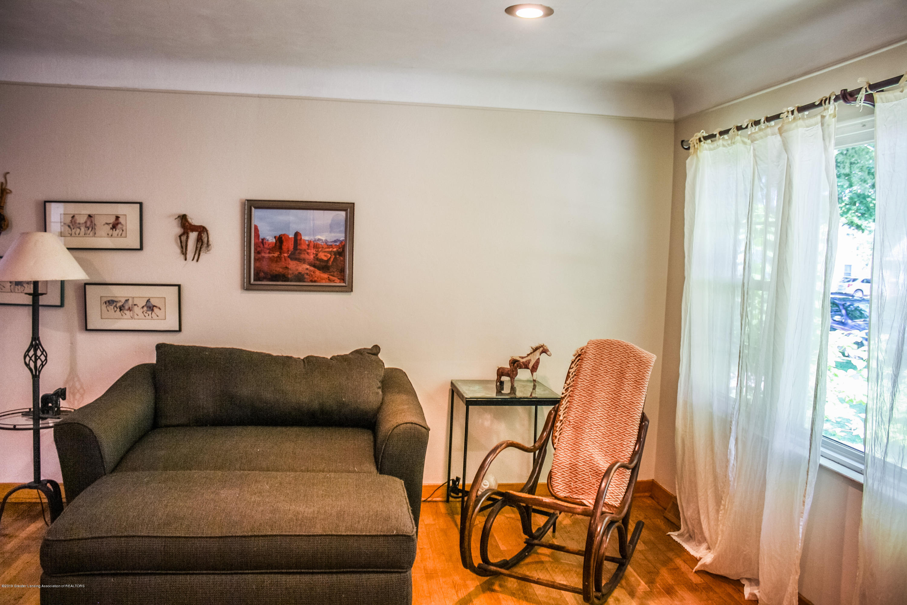 515 Durand St - Living Room - 8