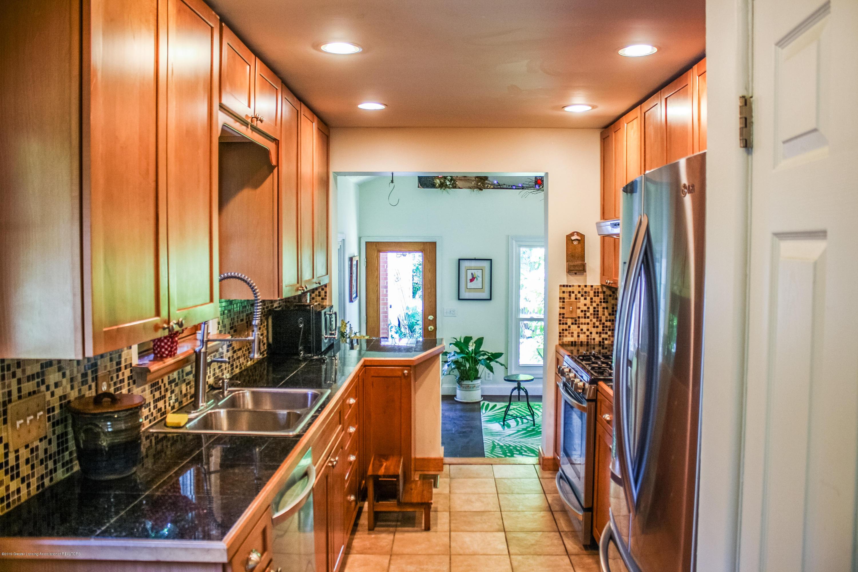 515 Durand St - Kitchen - 10