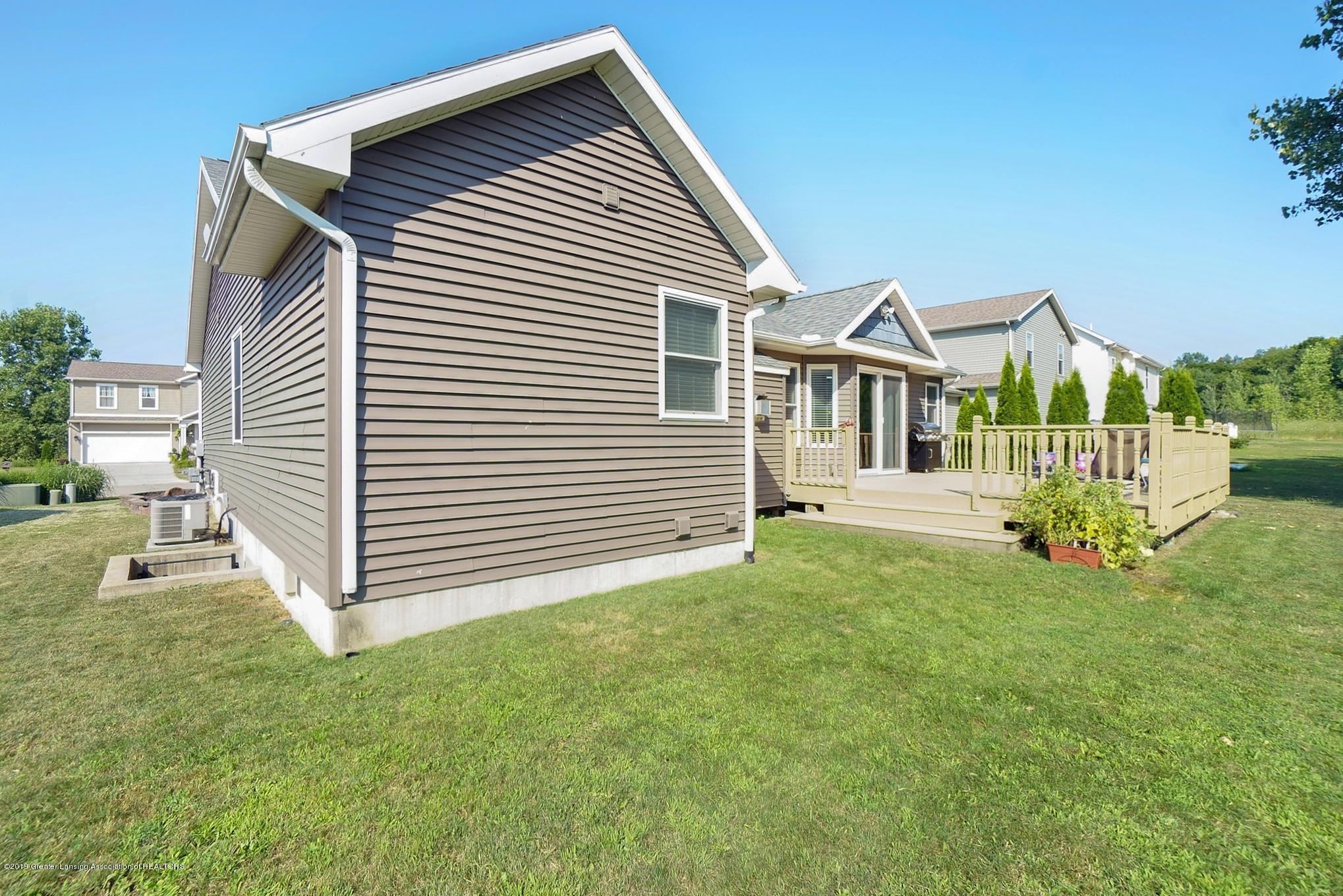 1136 Cranbrook Ln - Backyard - 7