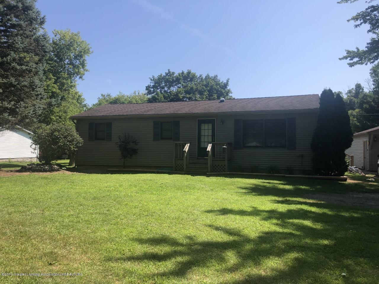 13185 Beardslee Rd - front pic - 1
