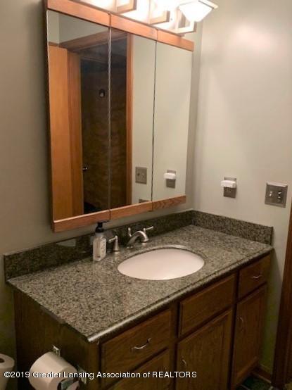 161 Gale Rd - Bathroom Upstairs 2 - 29
