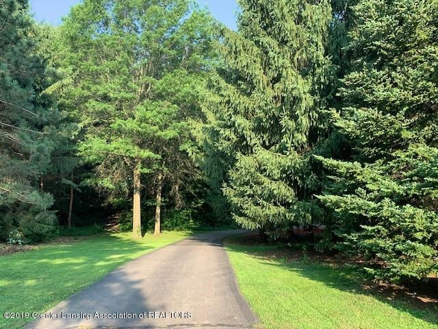 161 Gale Rd - Driveway - 46