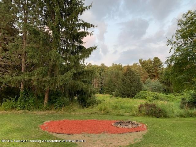 161 Gale Rd - Fire Pit - 47