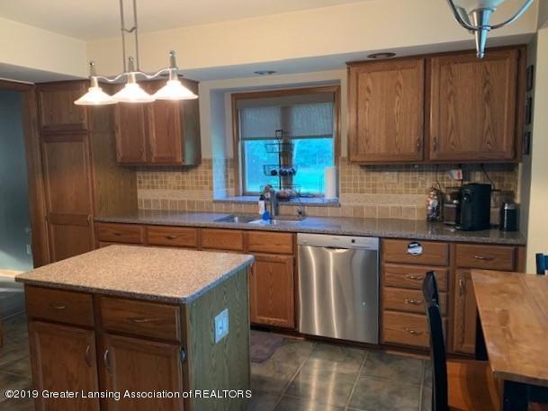 161 Gale Rd - Kitchen 2 - 6