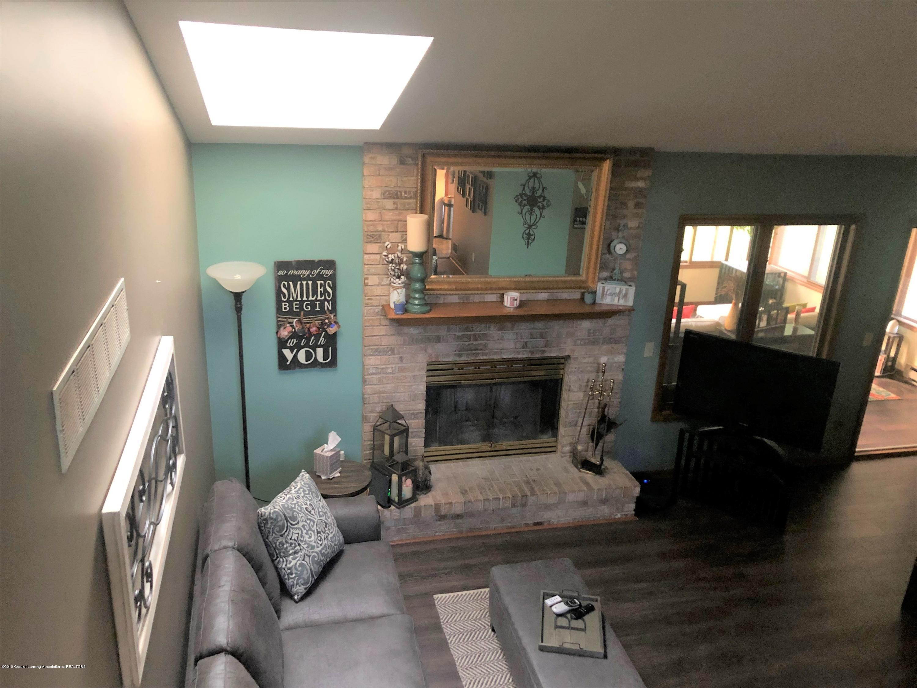161 Gale Rd - Living Room - 5