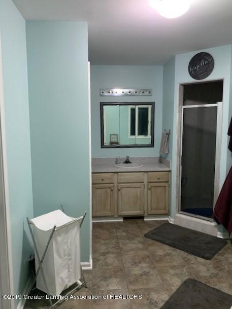 161 Gale Rd - Master Bath - 18