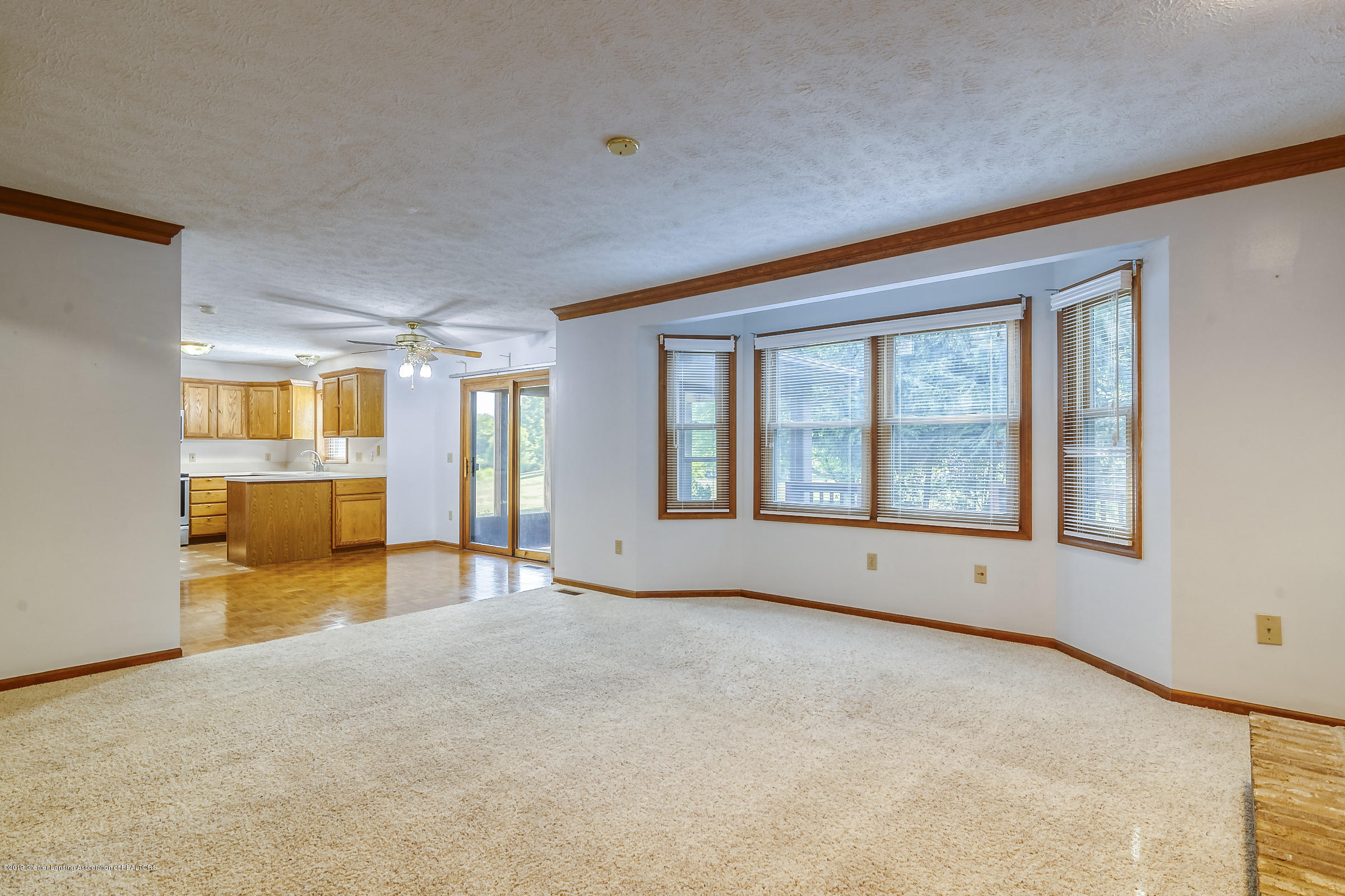 2343 Chisholm Ct - LIVING ROOM - 4