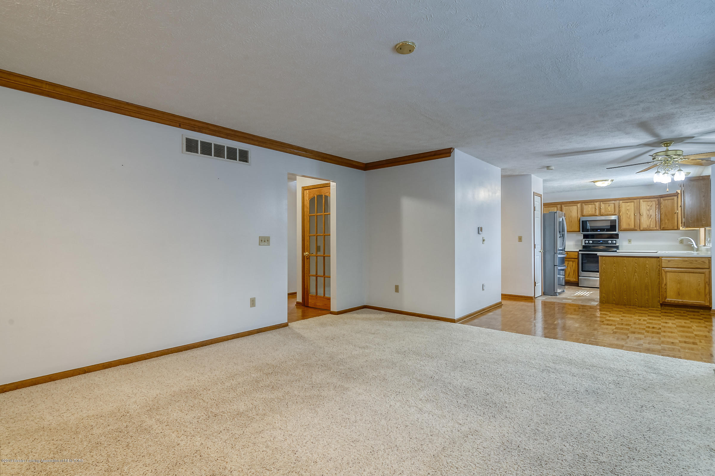 2343 Chisholm Ct - LIVING ROOM - 6