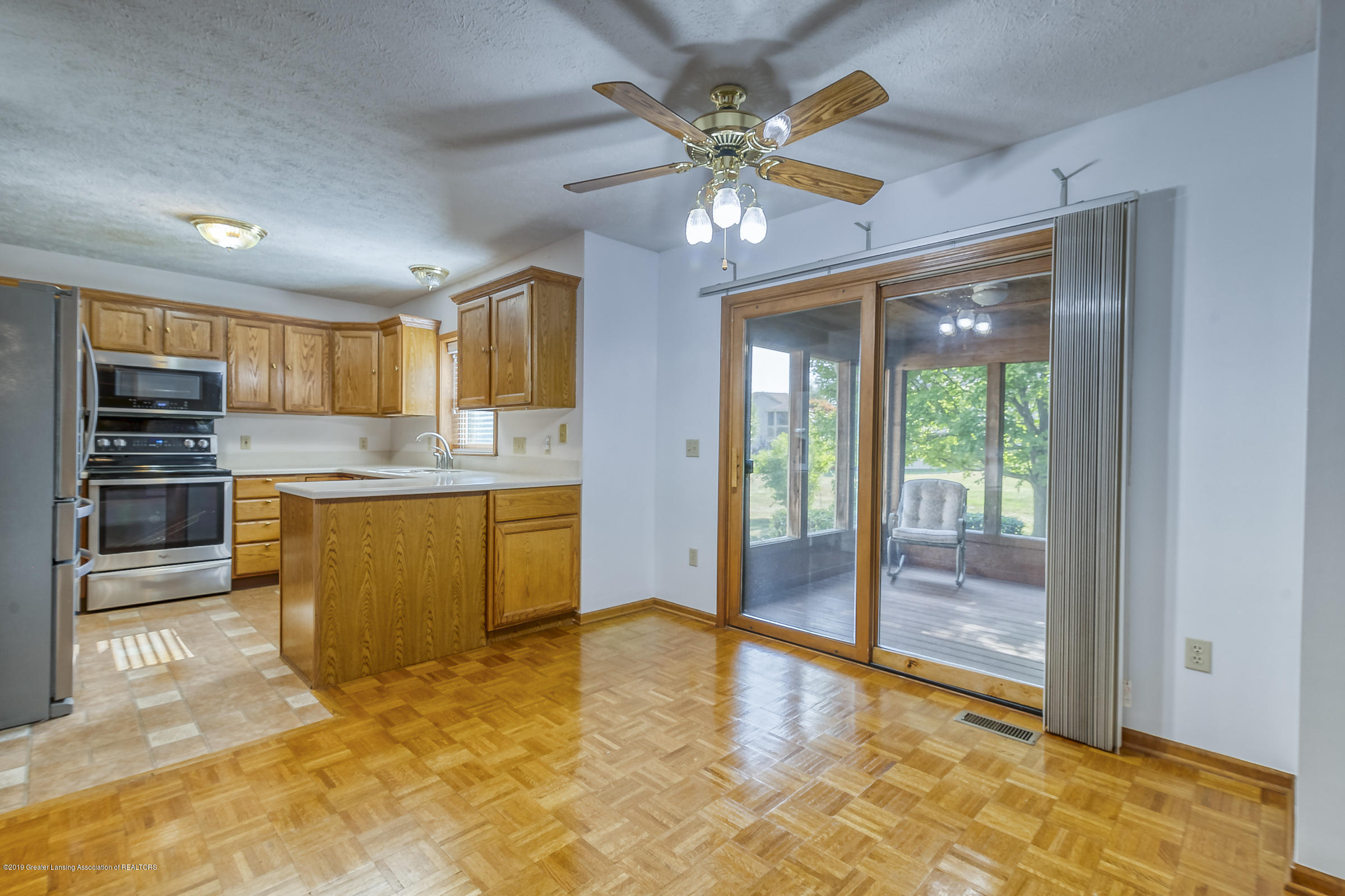 2343 Chisholm Ct - DINETTE - 8