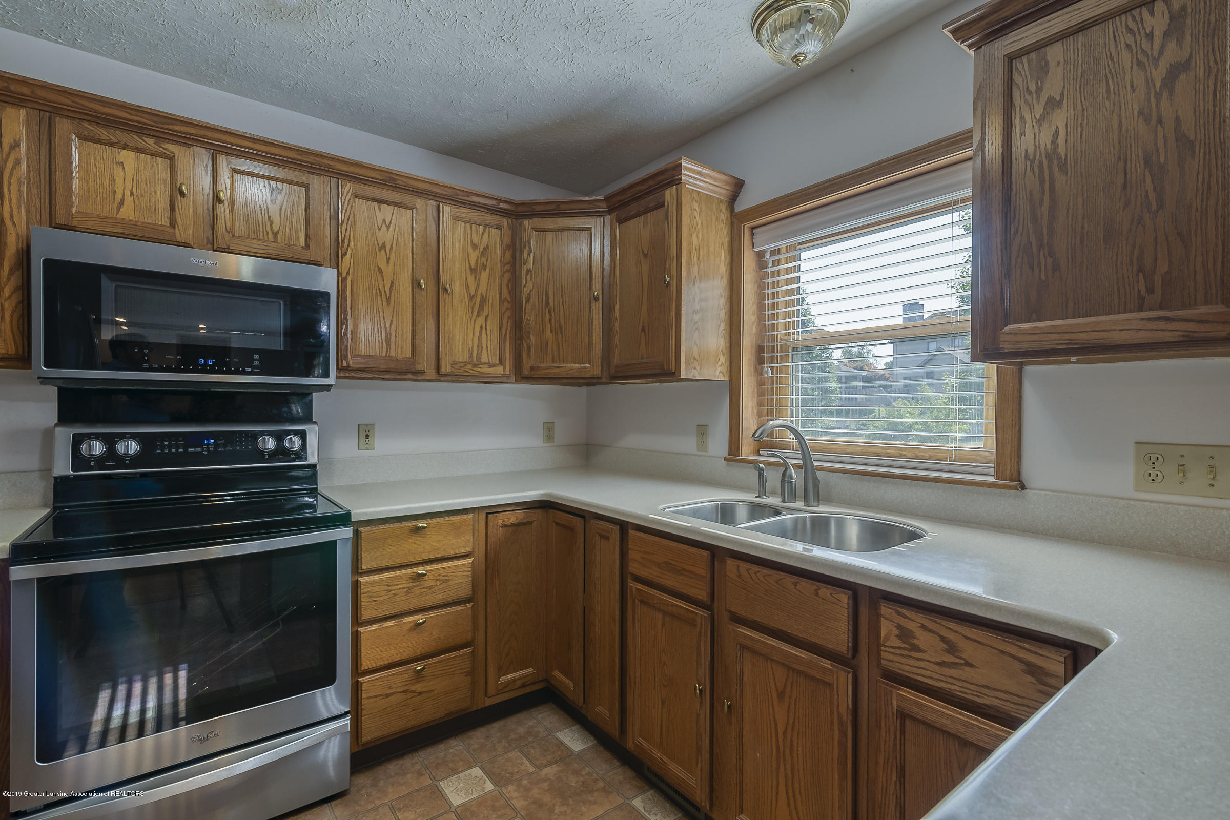 2343 Chisholm Ct - KITCHEN - 9