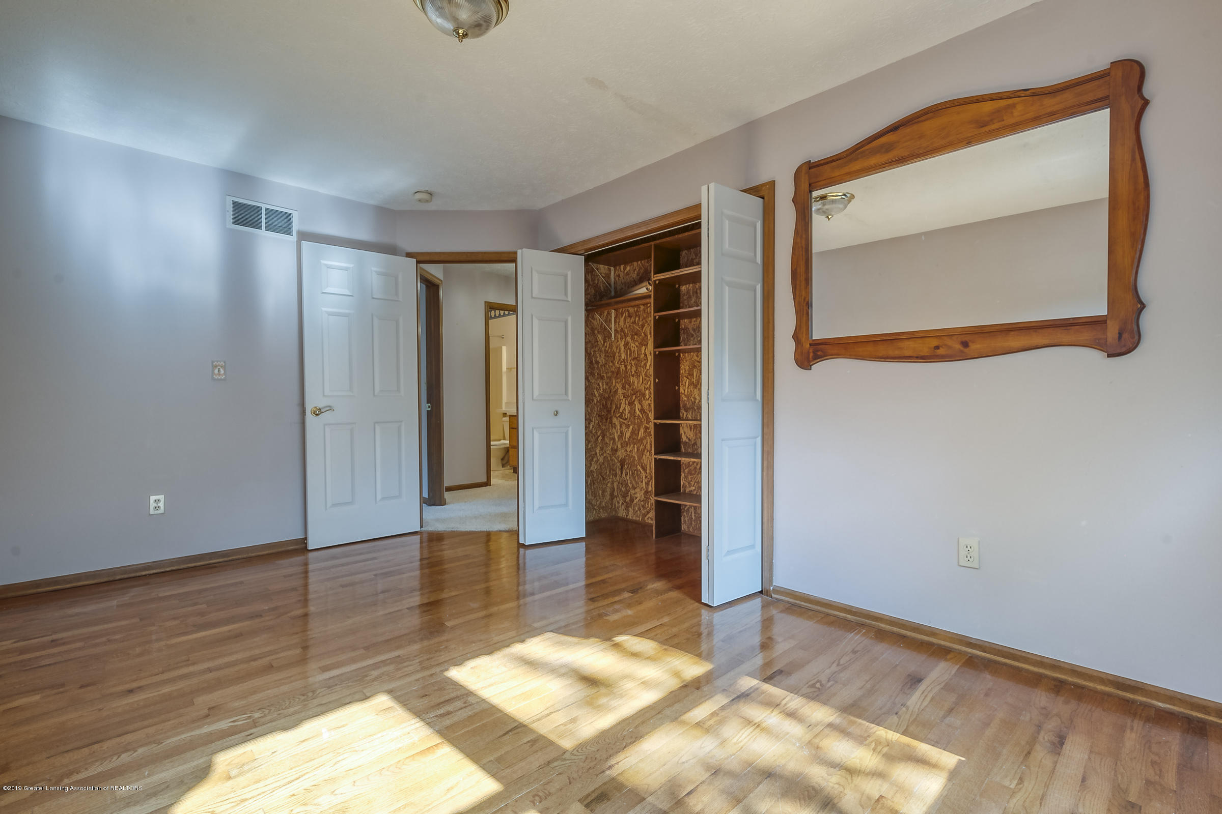 2343 Chisholm Ct - BEDROOM - 22