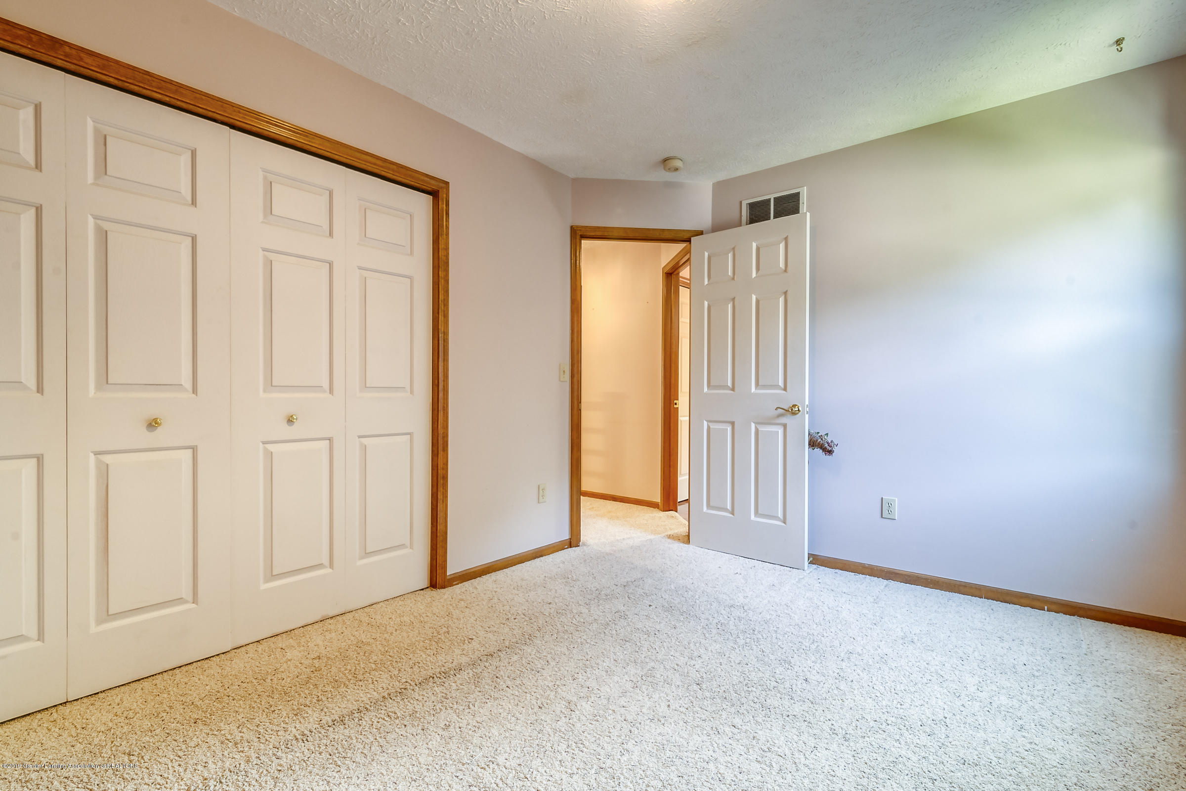 2343 Chisholm Ct - BEDROOM - 24