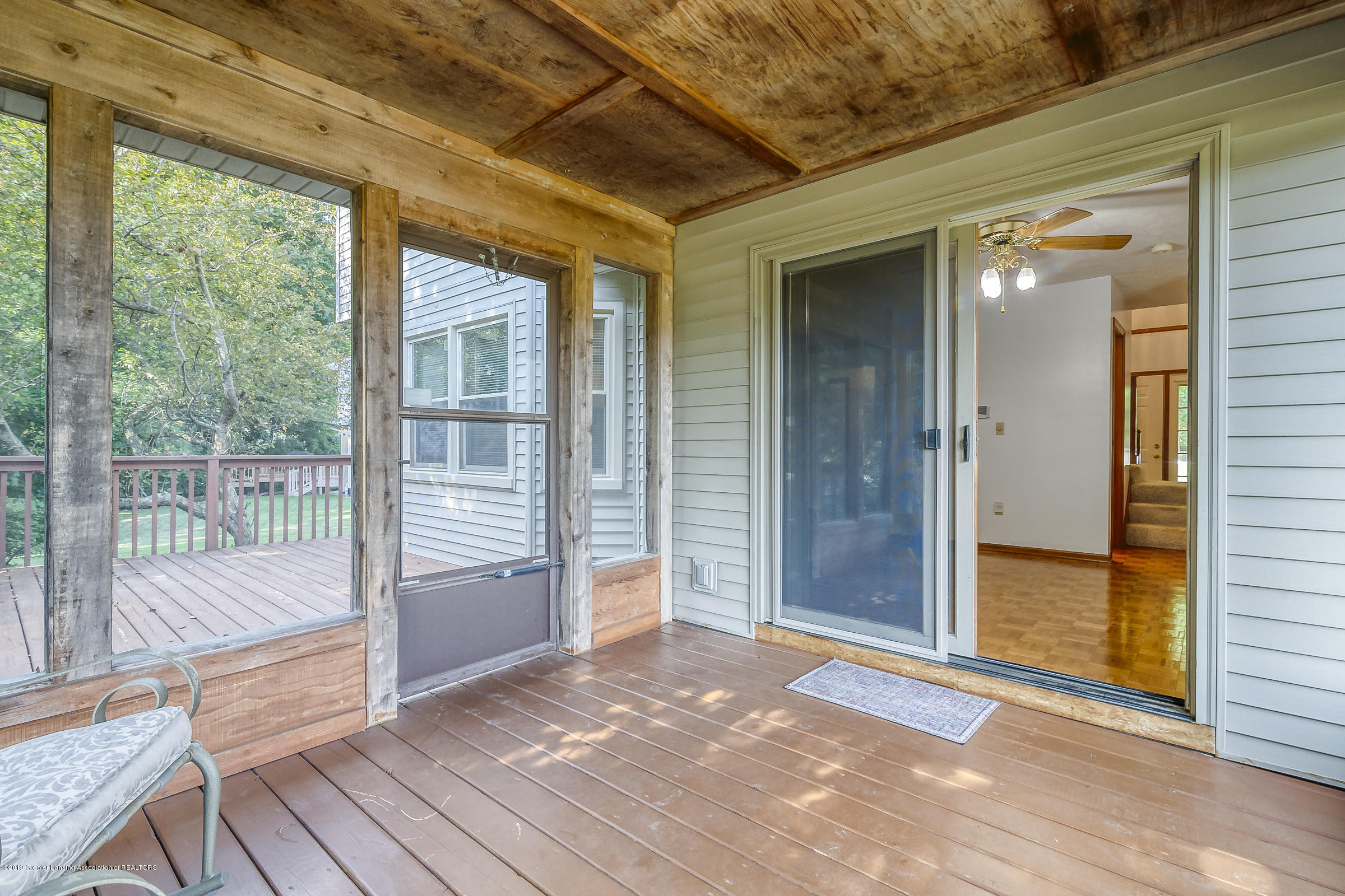 2343 Chisholm Ct - SCREENED PORCH - 40