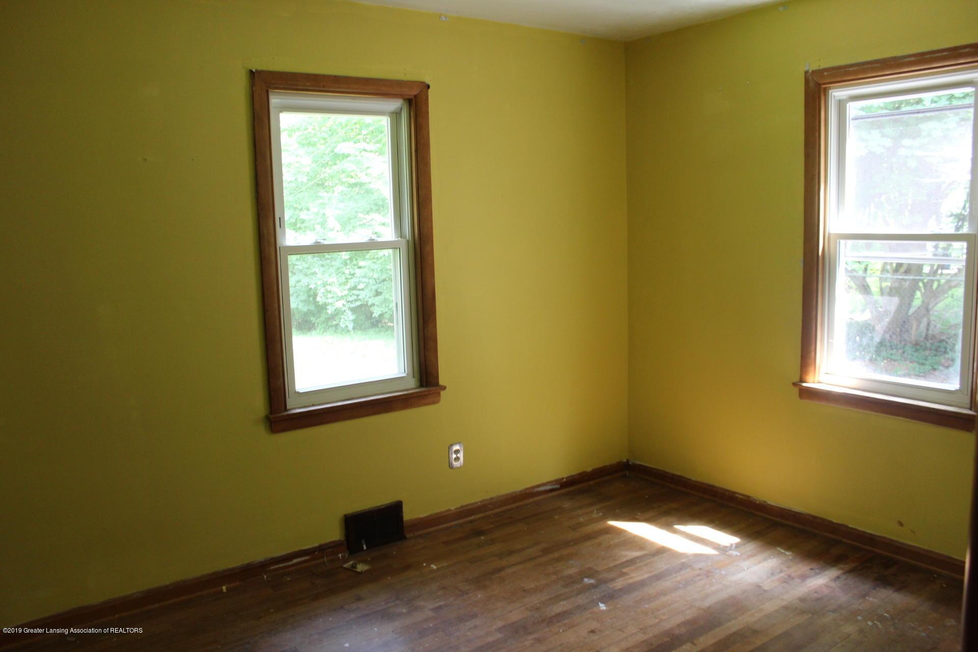234 N Hagadorn Rd - Bedroom 3 - 8