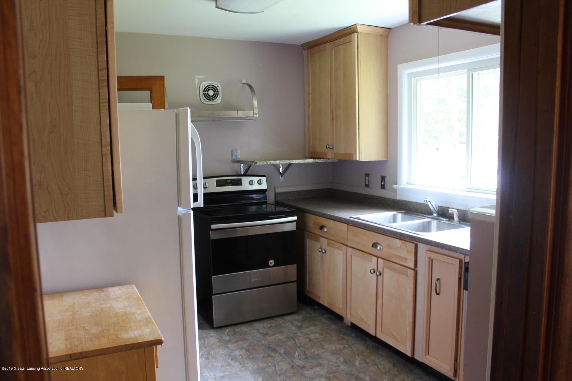 234 N Hagadorn Rd - Kitchen - 2