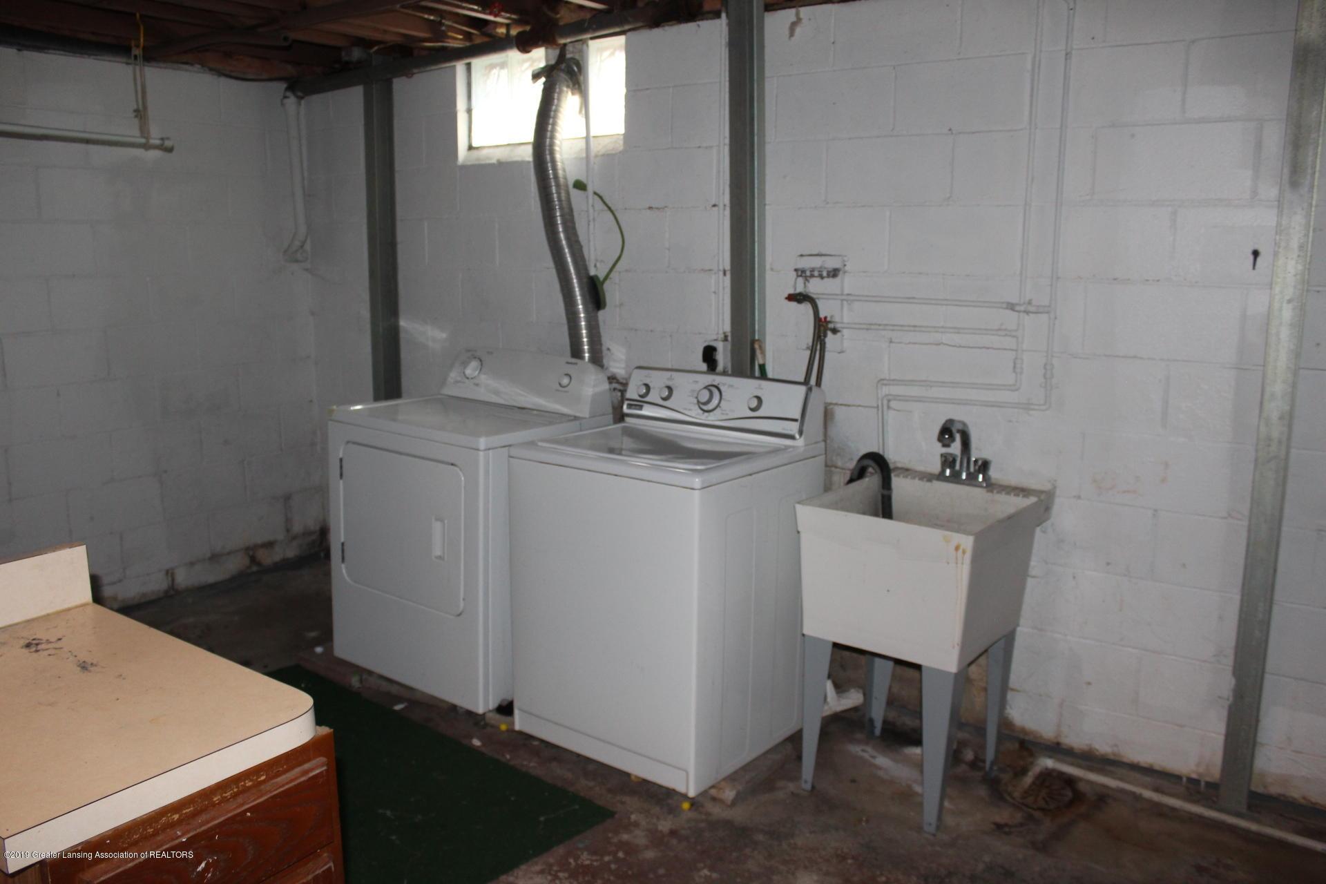 234 N Hagadorn Rd - Laundry room - 16