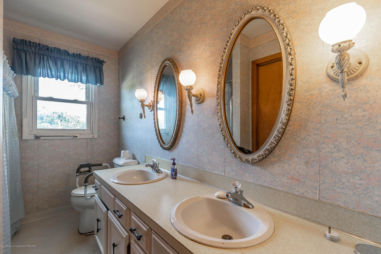 5695 W Pratt Rd - Bath #1 - 13