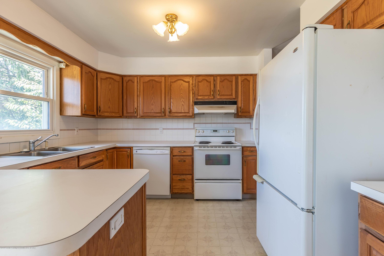 5695 W Pratt Rd - KItchen - 4
