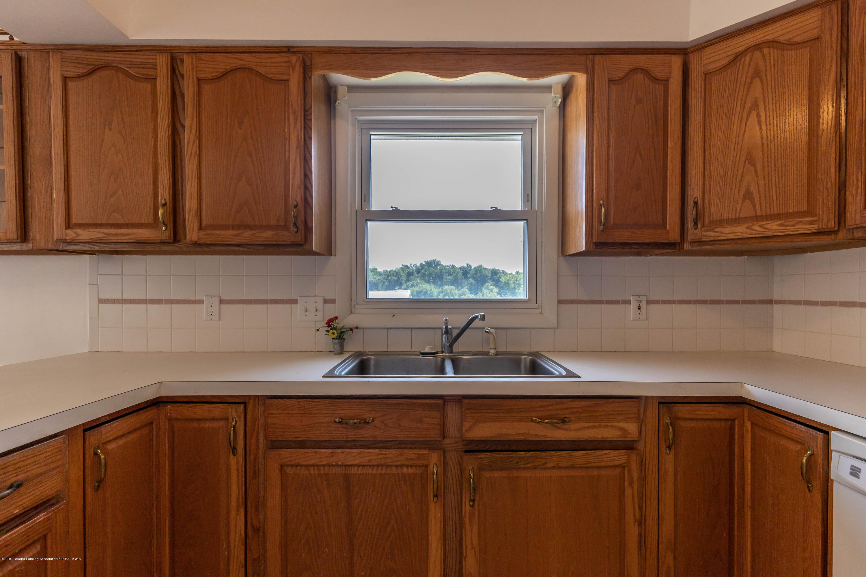 5695 W Pratt Rd - Kitchen - 7