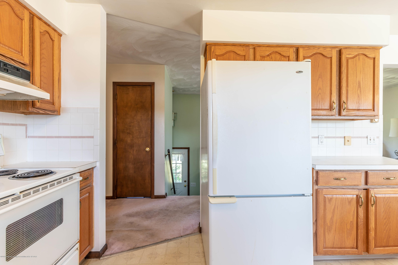 5695 W Pratt Rd - Kitchen - 8