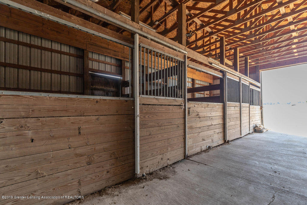684 W Spicerville Hwy - spicerbarn(1of1) - 36