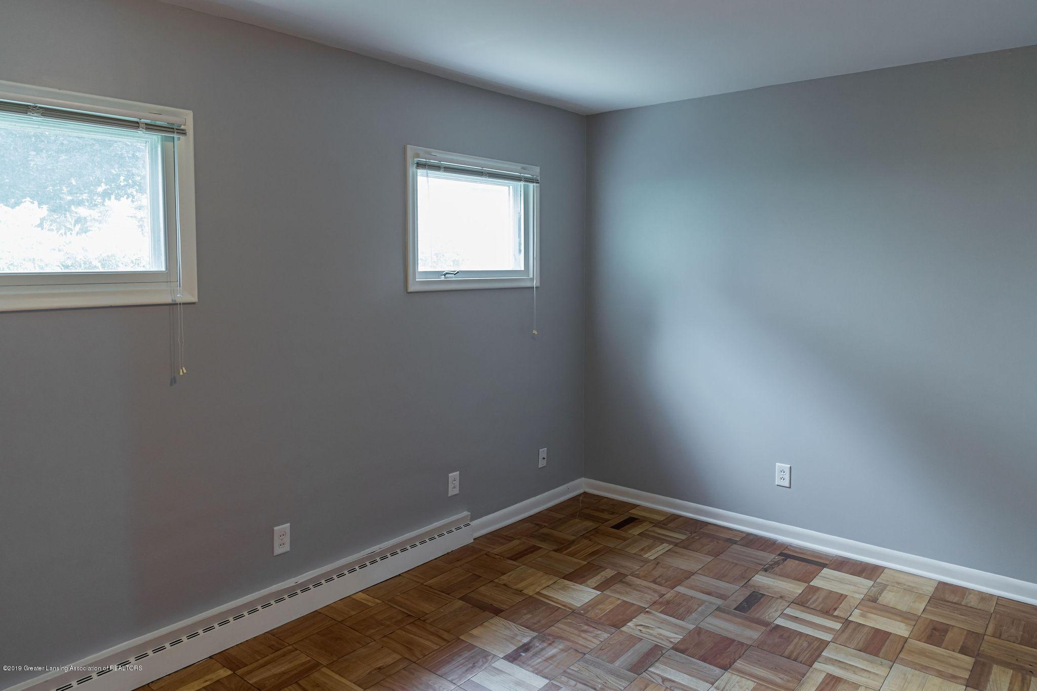 219 Oakland Dr - 1st floor den/bedroom - 12