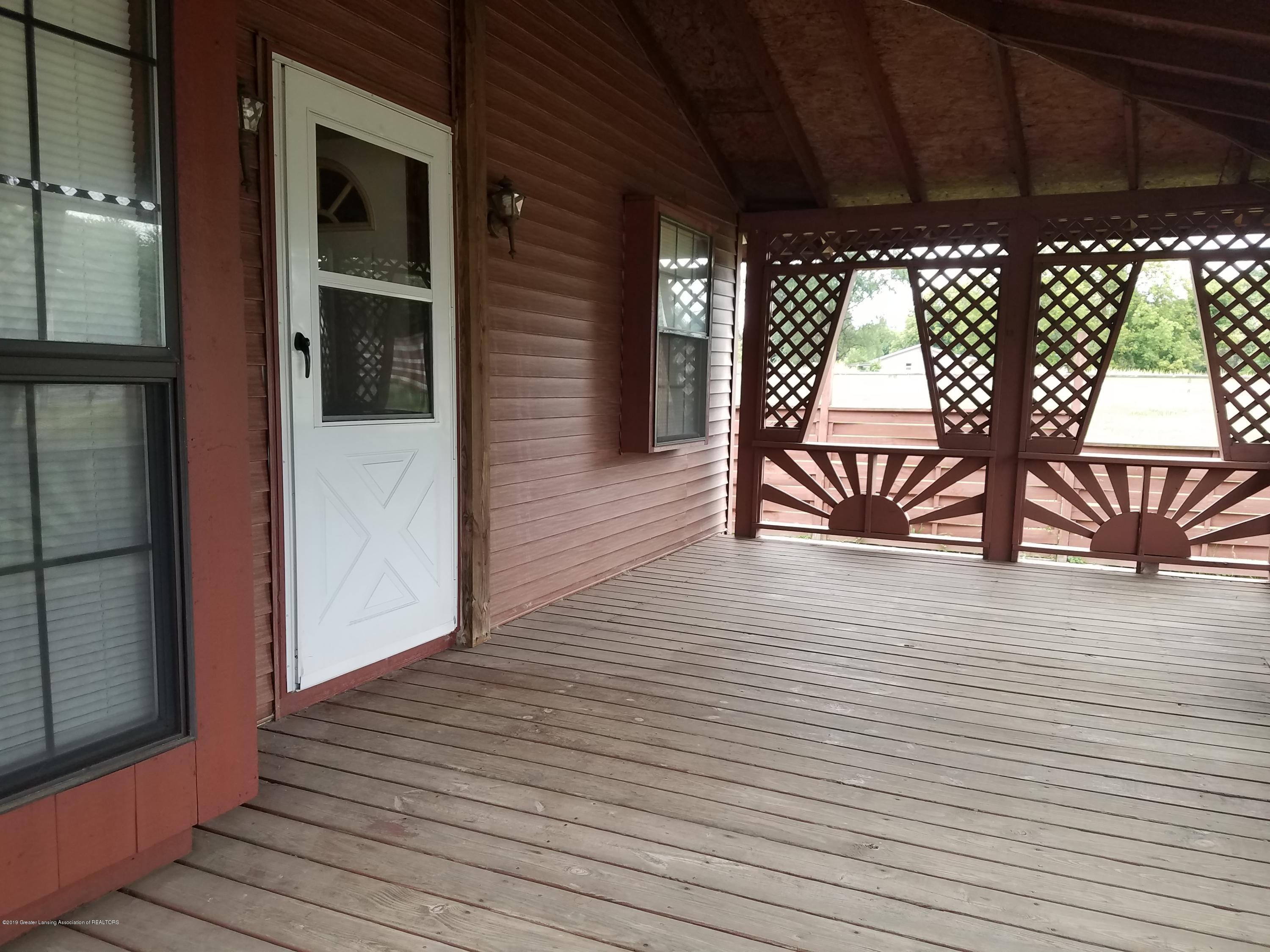 5420 S Martin Luther King Jr Blvd - Front Porch - 2