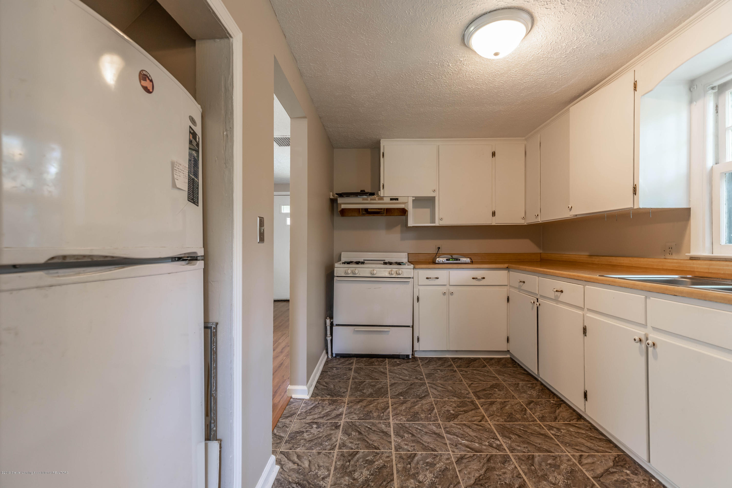 638 Jessop Ave - Kitchen - 7