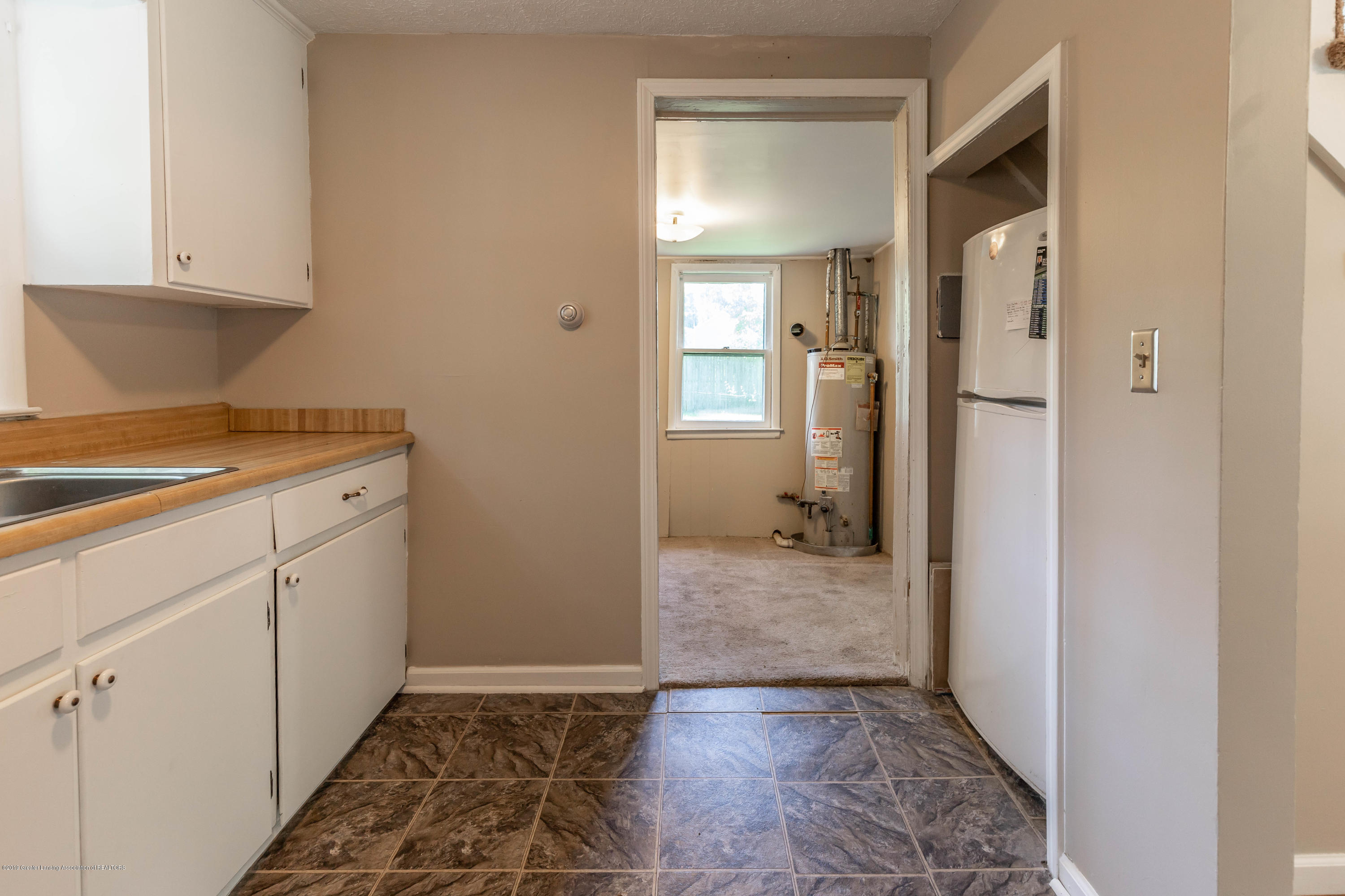 638 Jessop Ave - Kitchen - 9