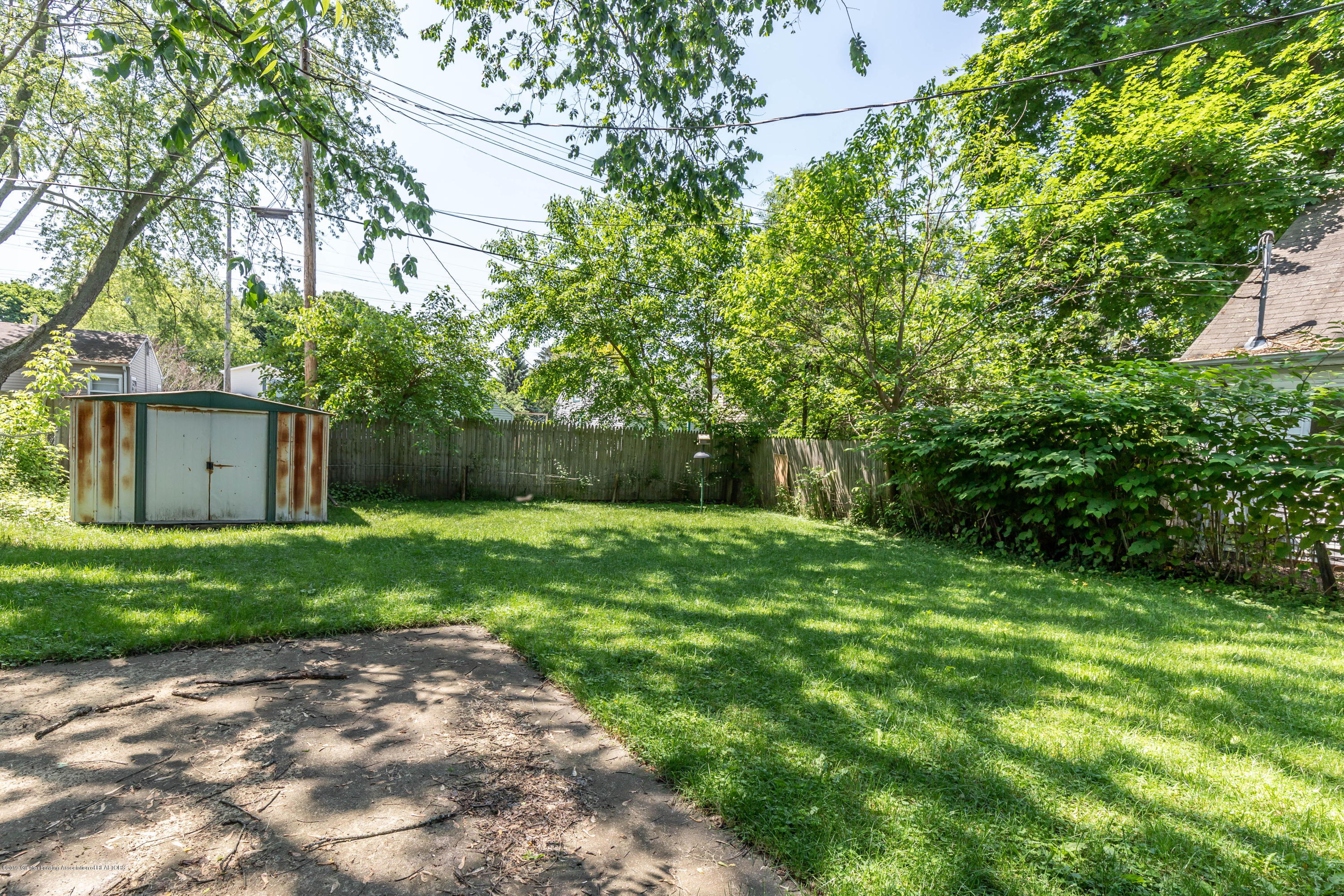 638 Jessop Ave - Backyard - 16