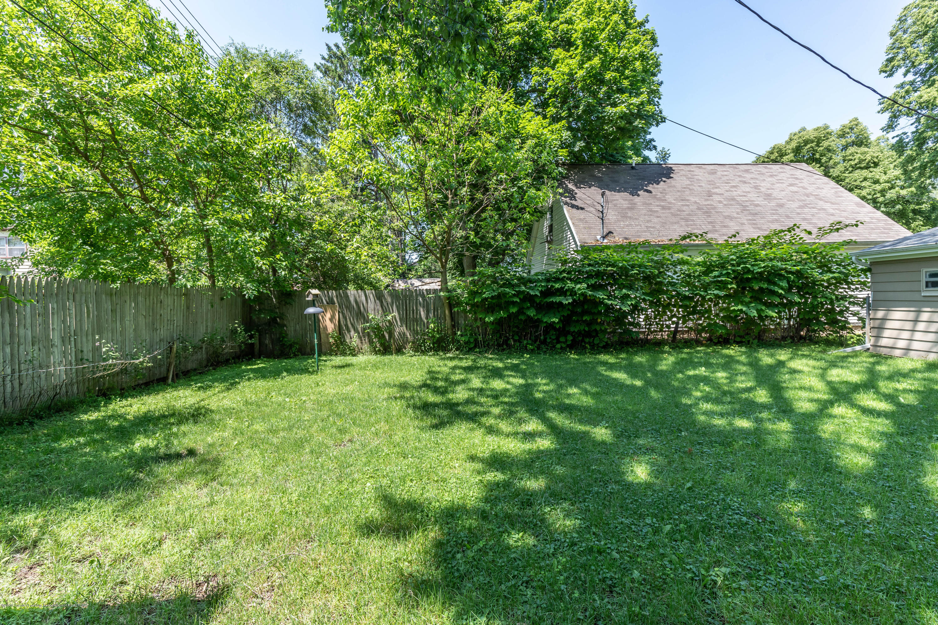 638 Jessop Ave - Backyard - 15
