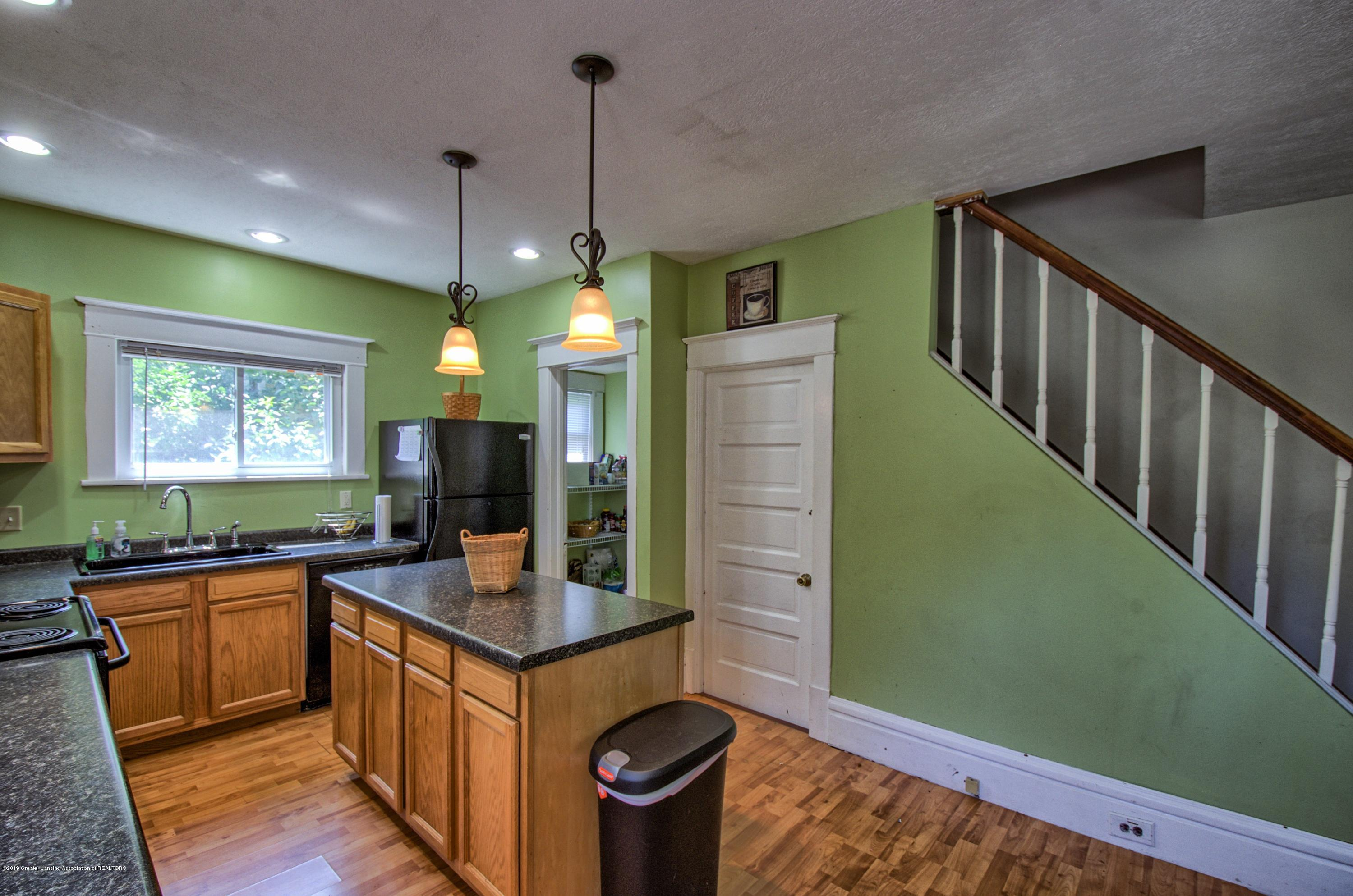 326 W Main St - Kitchen - 7