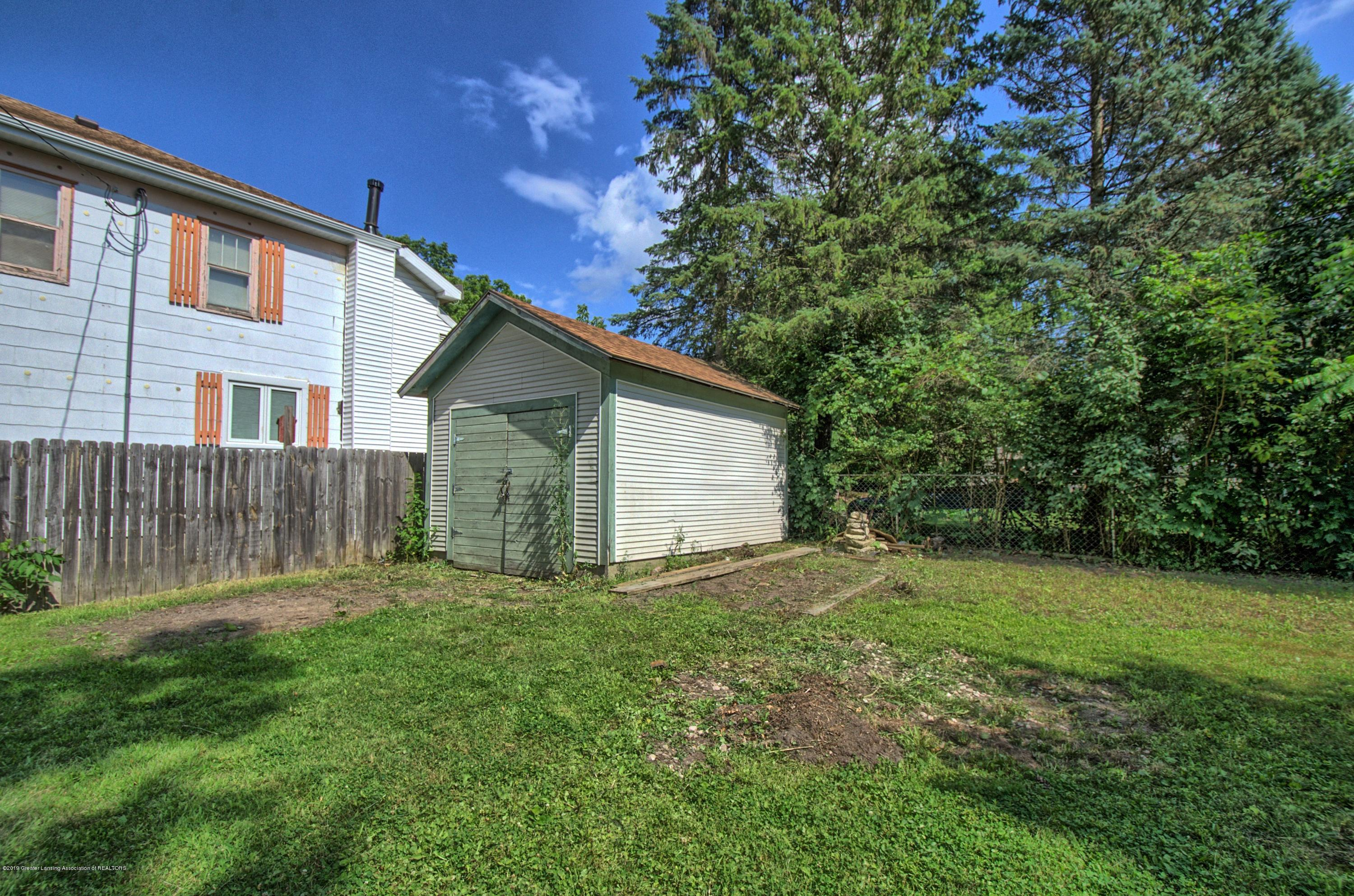 326 W Main St - Yard - 24
