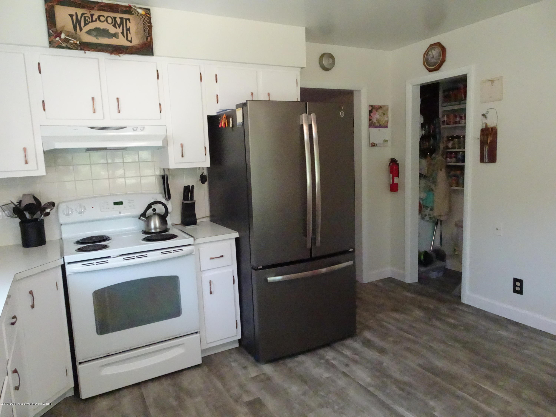 9060 W Beard Rd - new floor - 23