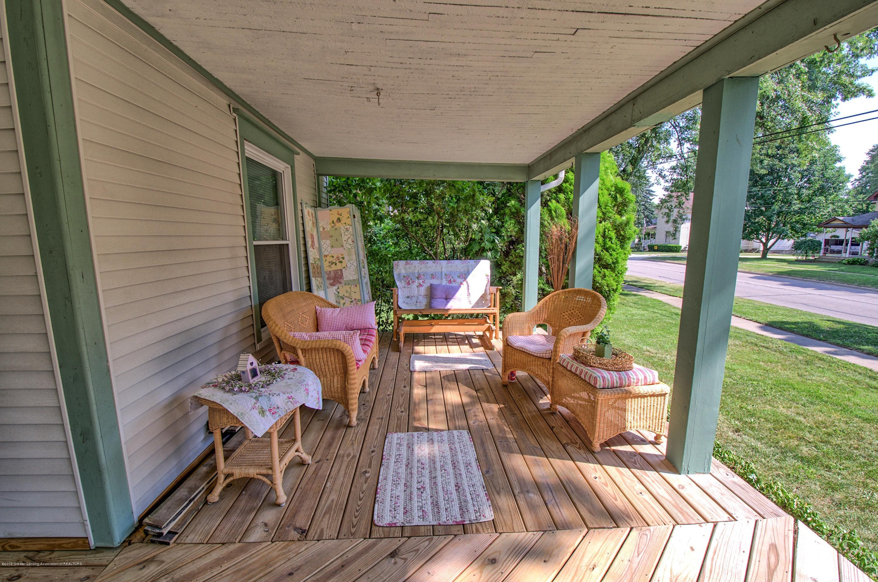 326 W Main St - Porch - 25
