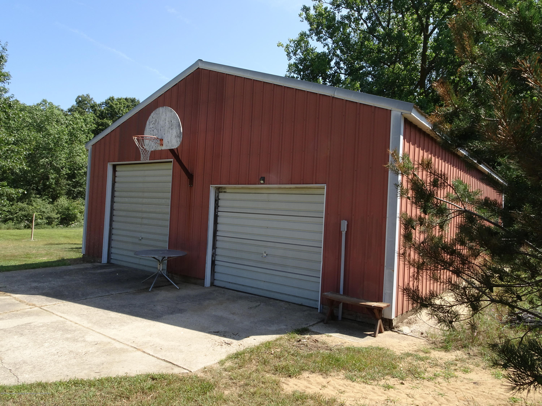 9060 W Beard Rd - heated pole barn - 14