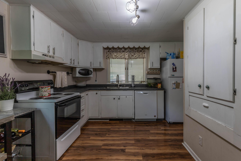 425 Maple St - Kitchen - 8