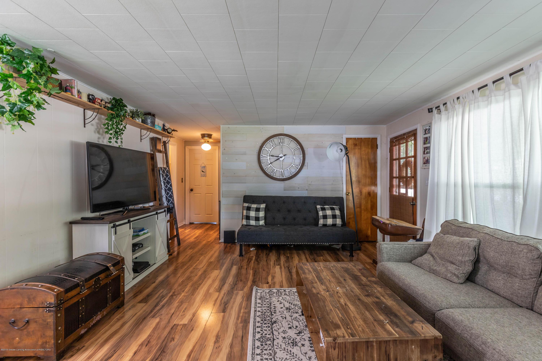 425 Maple St - Living - 6