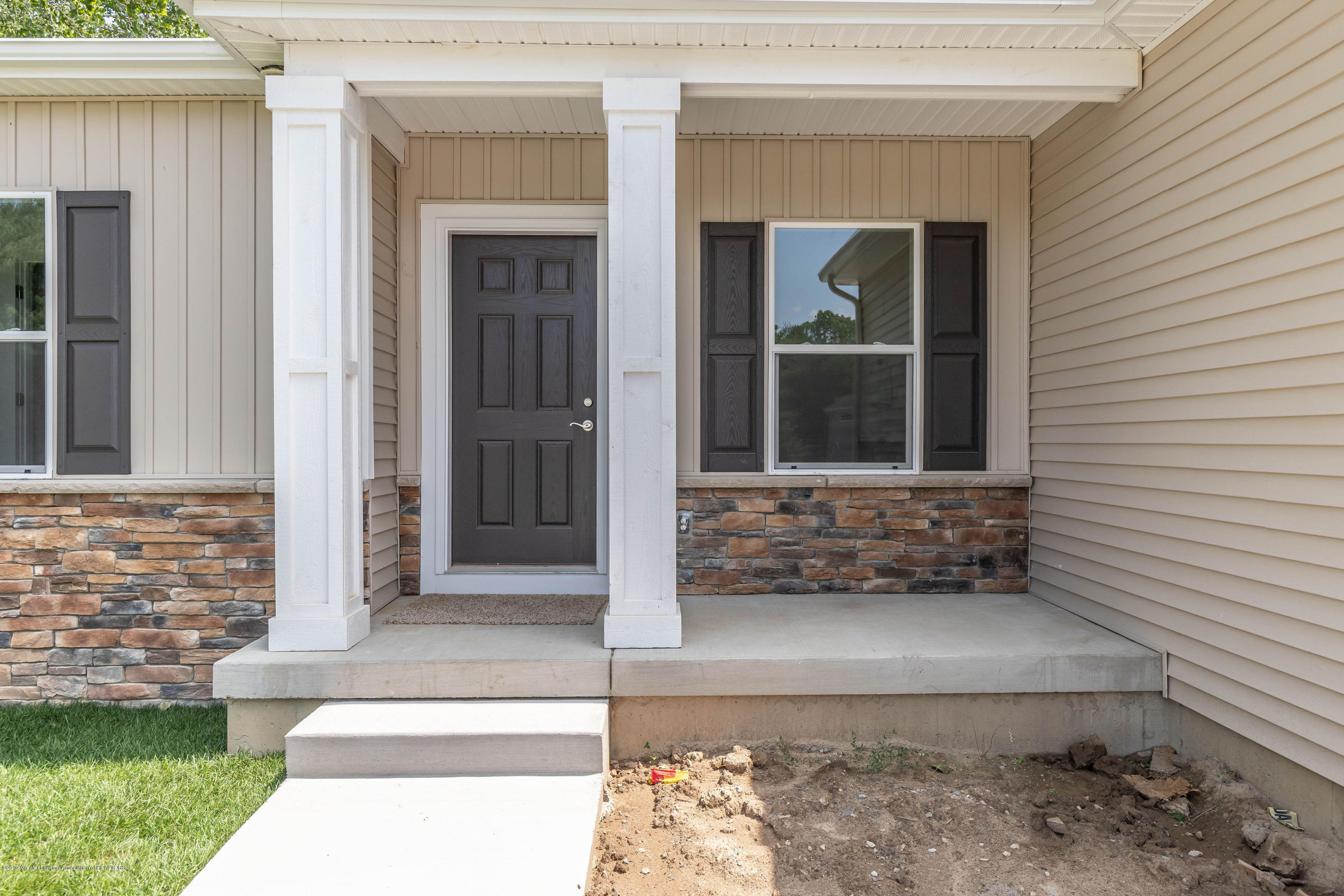 5100 Chaggal Ln - chaggalfront2(1of1) - 2