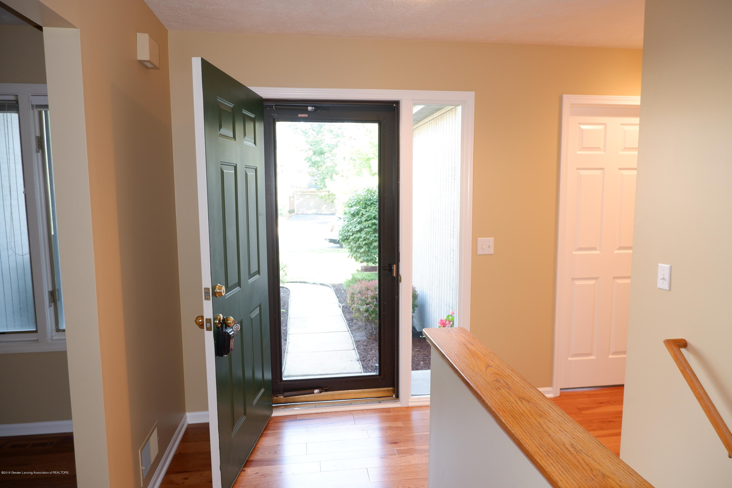 5250 E Hidden Lake Dr 89 - Foyer - 3
