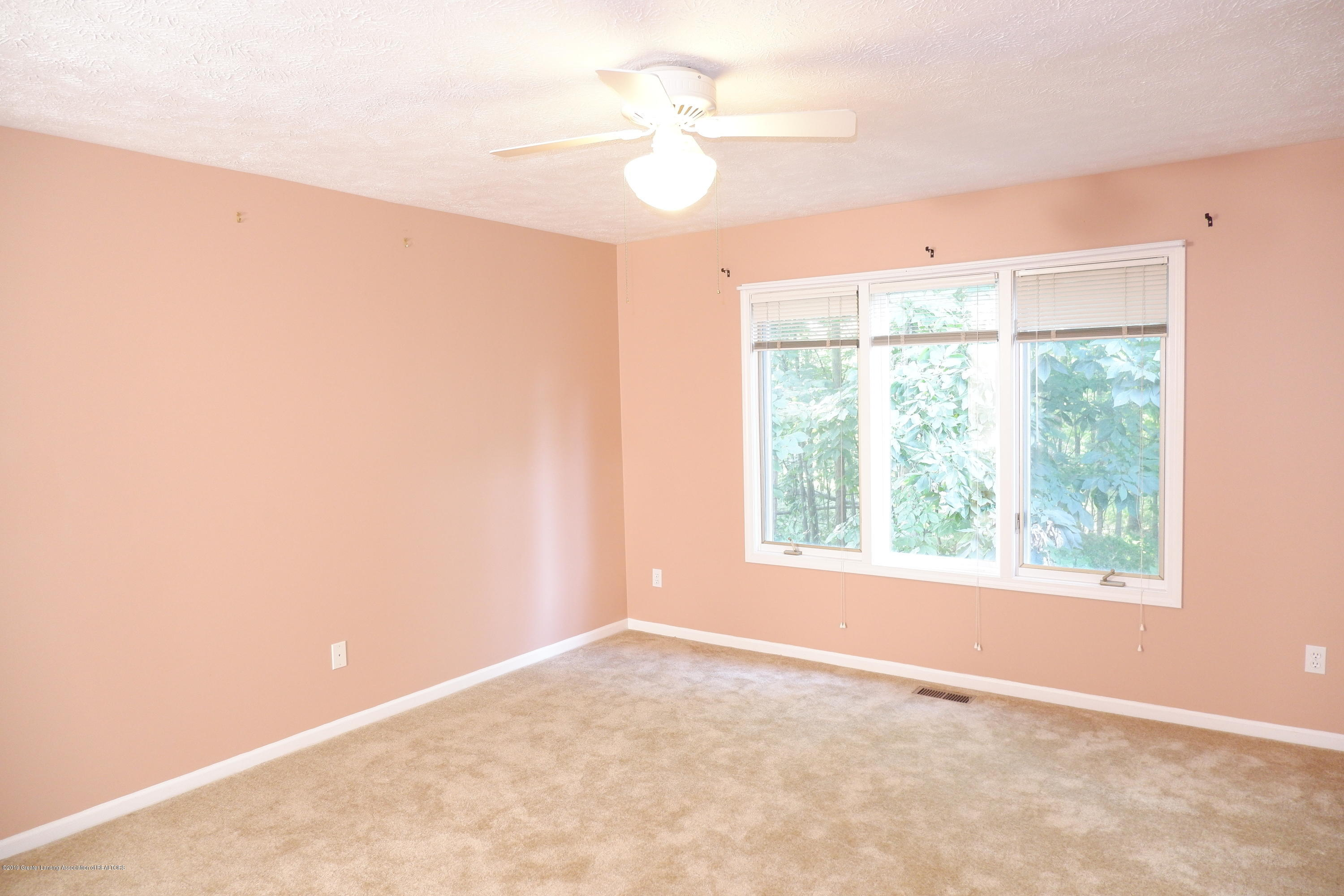 5250 E Hidden Lake Dr 89 - 1st floor master bedroom - 19