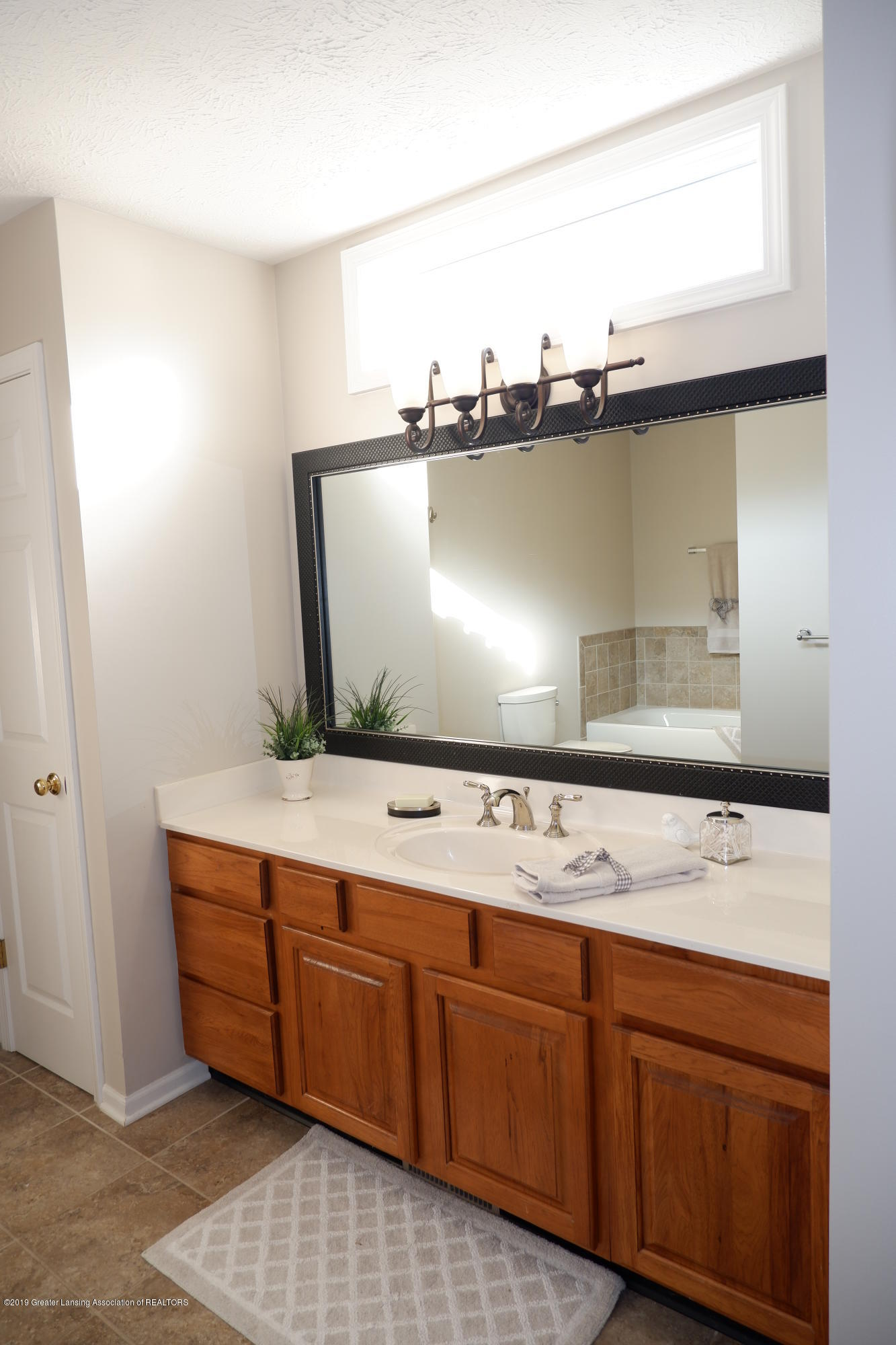 5250 E Hidden Lake Dr 89 - Master bathroom - 20