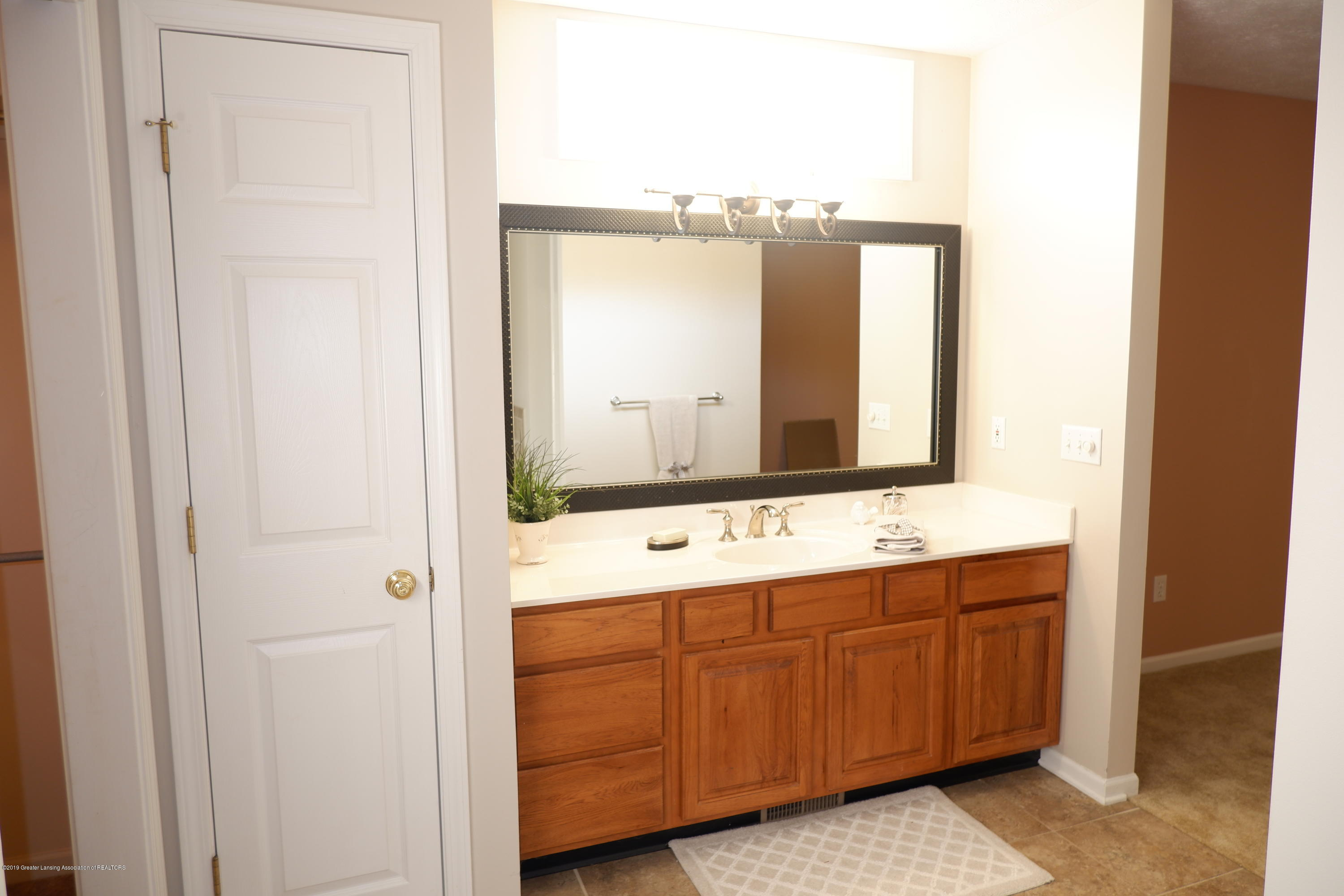 5250 E Hidden Lake Dr 89 - Linen closet in master bath - 23