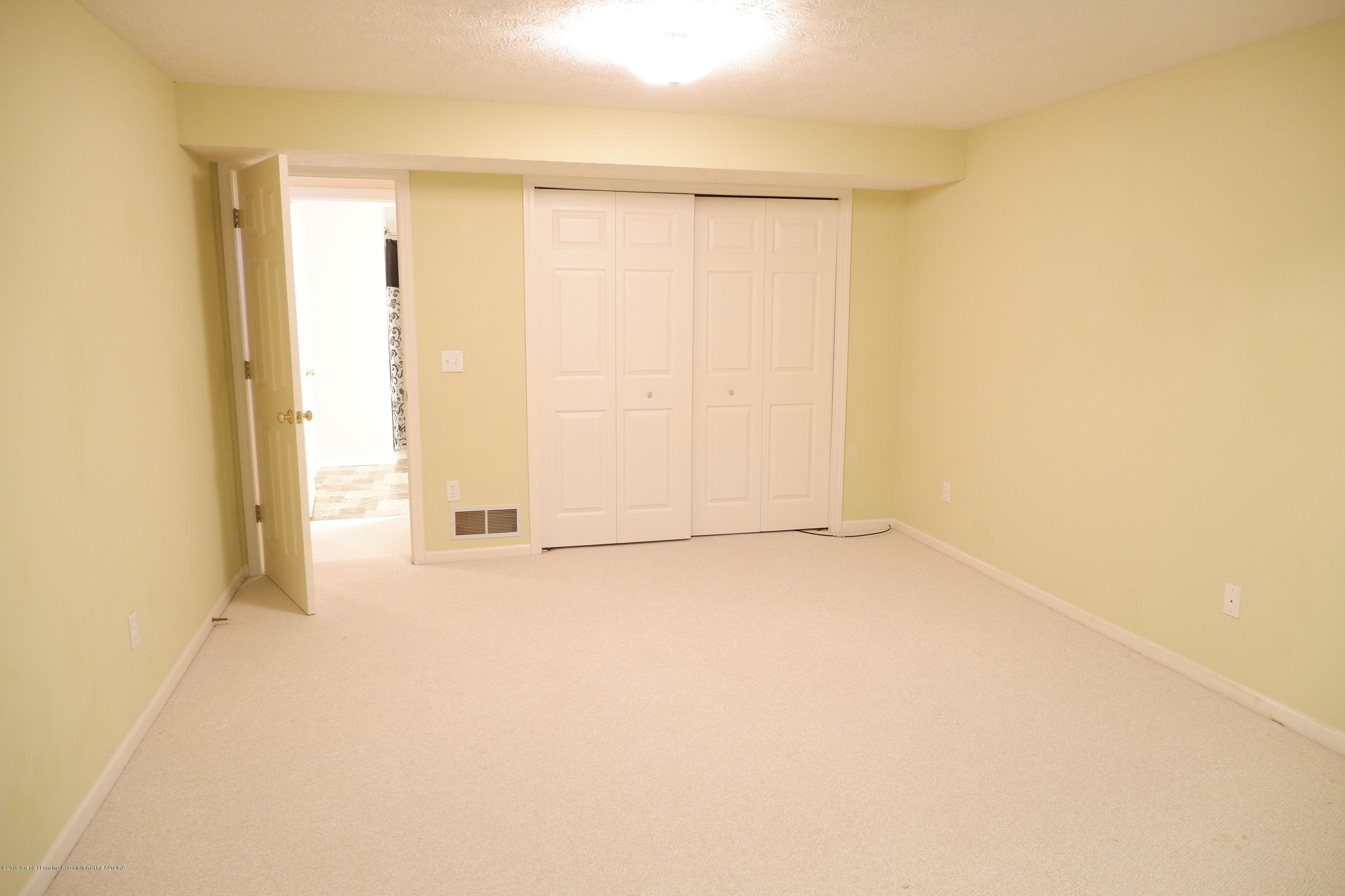 5250 E Hidden Lake Dr 89 - Double closets - 34