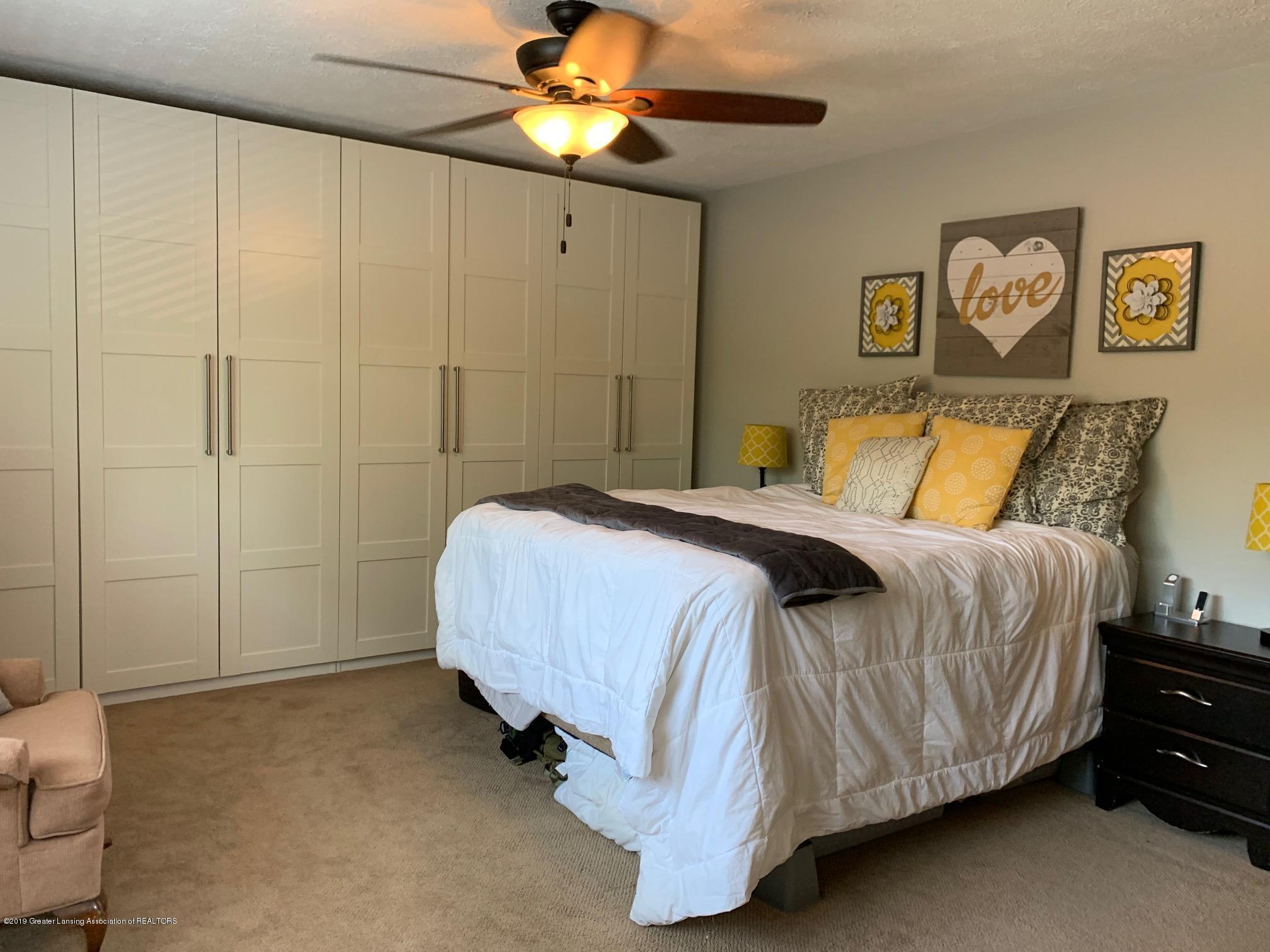 1200 Ascot Pl - Master Bedroom - 14