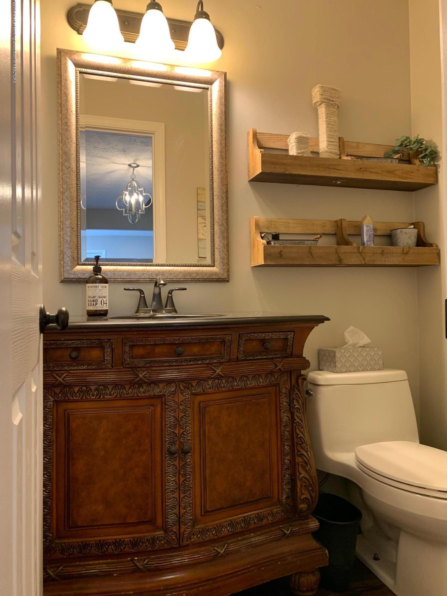 1200 Ascot Pl - Bathroom - 20