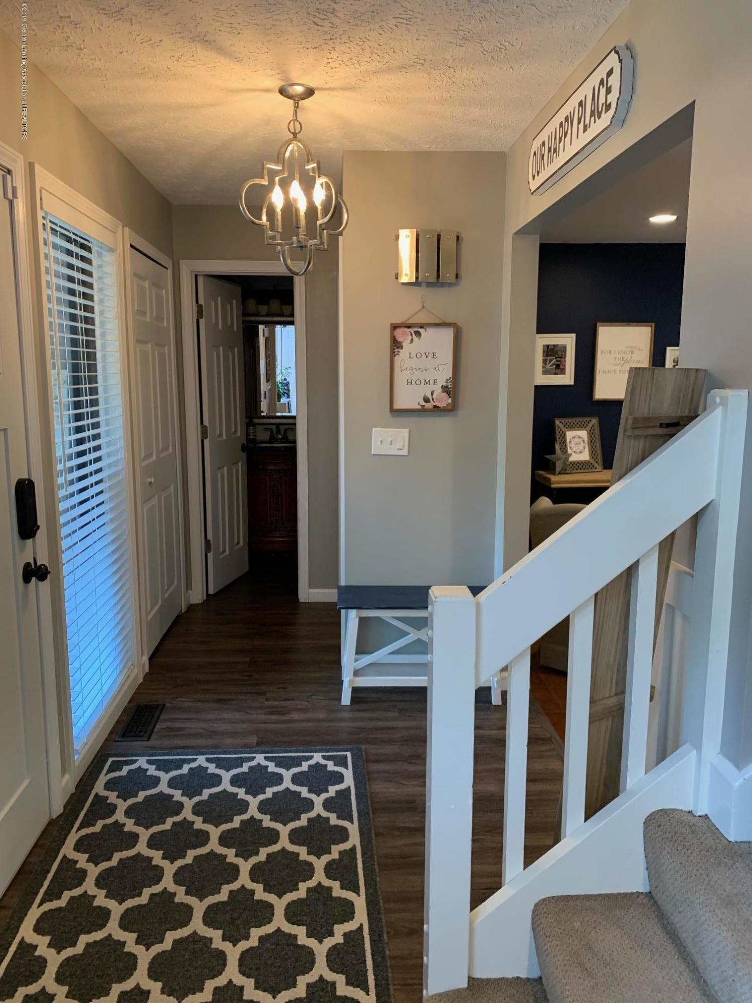1200 Ascot Pl - Stairs - 12