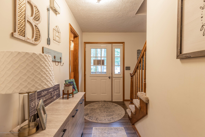 13210 White Pine Dr - Foyer - 5